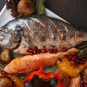 Рыба и овощи на углях